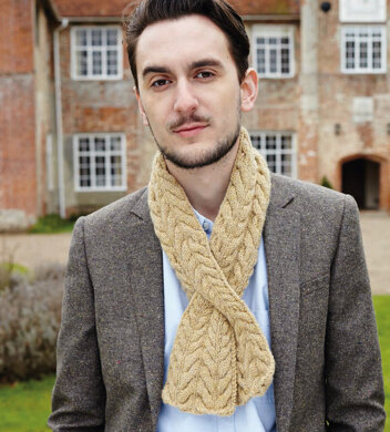 Cabled Cravat Scarf In Debbie Bliss Blue Faced Leicester Dk