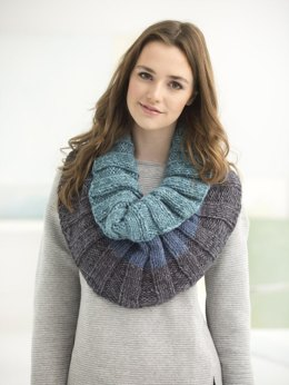 Tonal Ribbed Cowl in Lion Brand Wool Ease Tonal - L50181 - Downloadable PDF