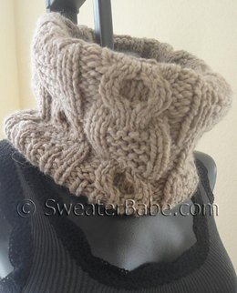 #161 Chunky Cabled Cowl