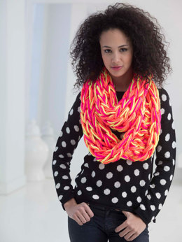 Neon Arm Knit Cowl in Lion Brand Hometown USA Multi - L40015
