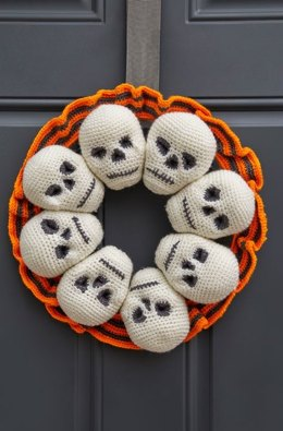 Circle of Skulls Wreath in Red Heart Super Saver Economy Solids - LW5784 - Downloadable PDF