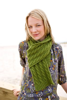 Statement Scarf in Lion Brand Wool-Ease - 90431AD