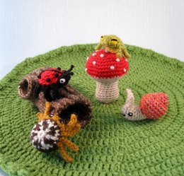 Mini Pets - Snails, Bugs and Frogs Amigurumi