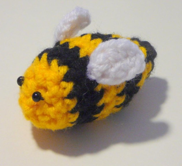 Bumble Bee Knitting Pattern : Bumble Bee Crochet pattern by Heather Sonnenberg Knitting Patterns LoveKn...