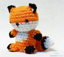 Tiny Fox Amigurumi