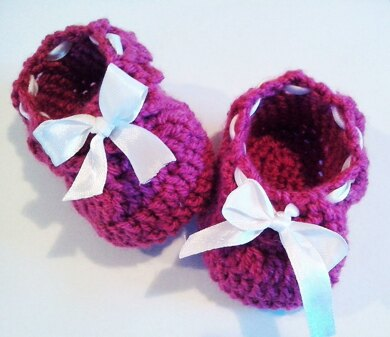 Simple baby ribbon shoes