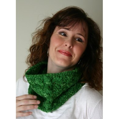 Wrapped ribs scarf/cowl