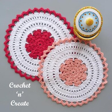Lacy Scoops Doily
