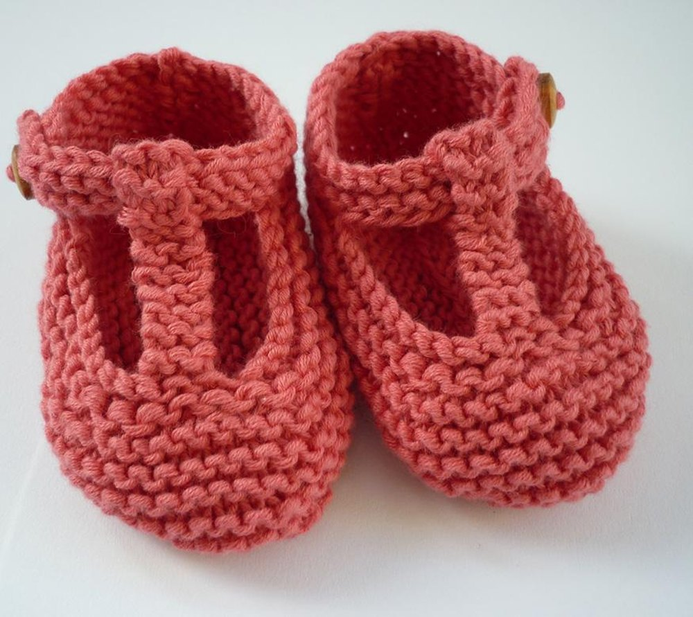 Knitting Baby Shoes : Quinn t bar style baby shoes knitting pattern by julie