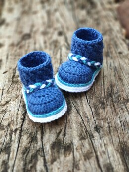 Baby Bootie Pattern - Criss Cross Stitched Cuff Baby Boot