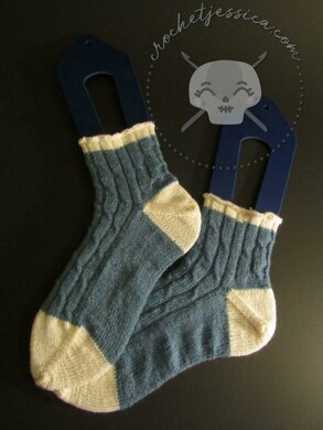 Cable Runner Socks