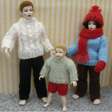 HMC9 Winter clothing for dolls in the dolls house