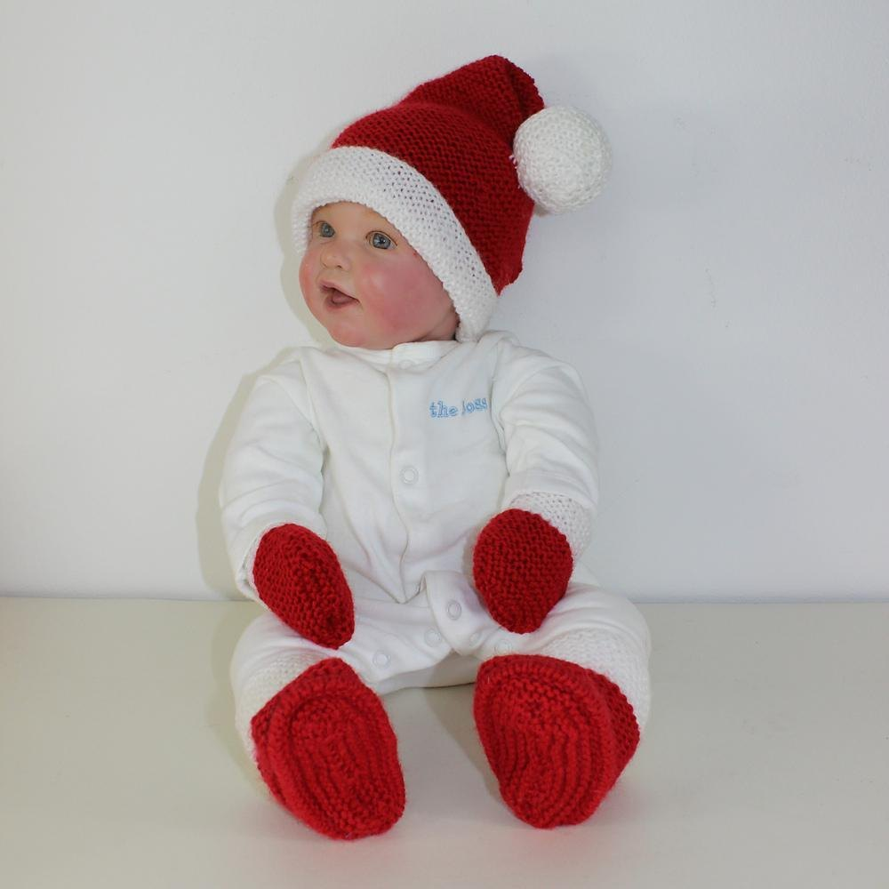 Baby santa hat booties and mittens knitting pattern by madmonkeyknits zoom bankloansurffo Images