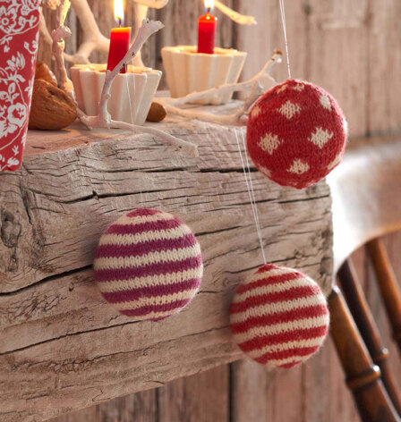 Christmas Baubles in Regia 4 Ply 50g - R0095A - Downloadable PDF