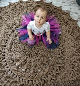 Crochet pattern of a large rug Astral from the cord!