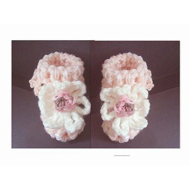 435, BABY BOOTIES, FRILLY TOP