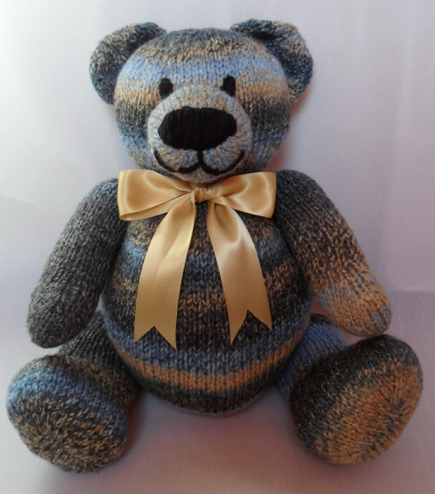 Big Berry Bear Teddy Knitting pattern by Laineknits | Knitting ...