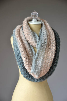Mother of Pearl Cowl in Universal Yarn Revolutions