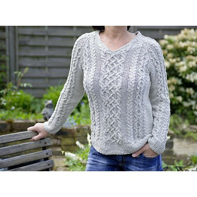 """Joyce"" - summer sweater with cables"