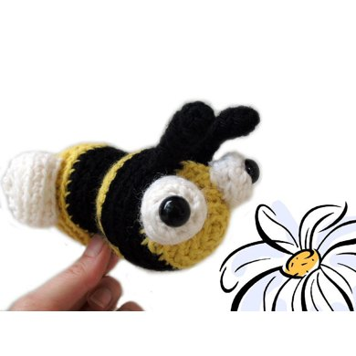 Amigurumi Burnie the Bee