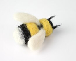 Hawthorn Handmade Bee Needle Mini Felting Kit - Brooch