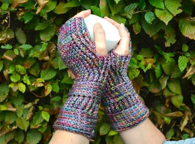 Blue notes mittens