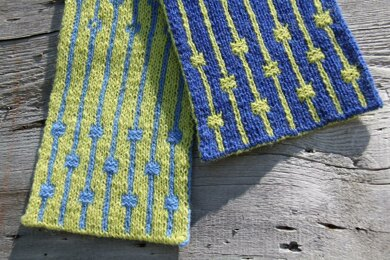 String Of Pearls Scarf Knitting Pattern By Lucy Neatby Knitting Patterns