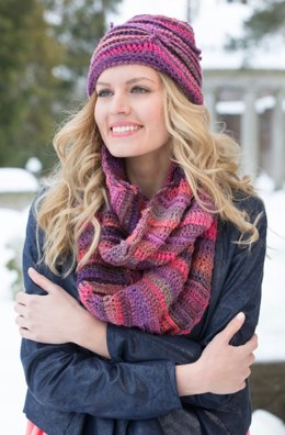 Corrugated Hat and Cowl in Red Heart Boutique Unforgettable - LW4281