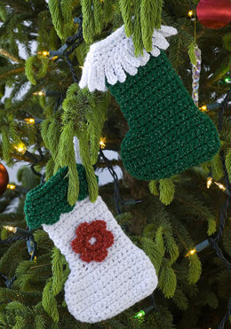 Little Stockings in Red Heart Holiday - LW1881 - Downloadable PDF