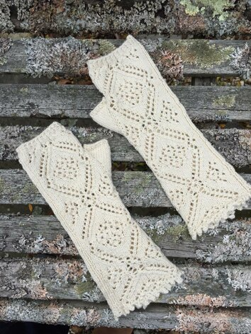 Honeysuckle Fingerless Mitts
