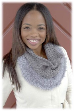 Tuck Stitch Cowl in Plymouth Yarn Arequipa Worsted & Fur - 2899 - Downloadable PDF