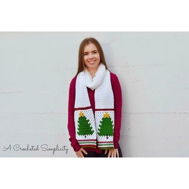 Retro Christmas Tree Scarf