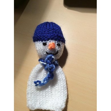 Snowman knitted ornament