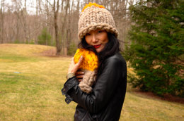 Helsinki Hat Two Tone in Loopy Mango Big Loop