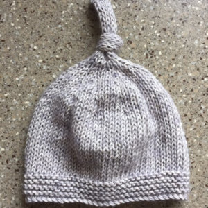 Baby Knot Hat Knitting Pattern : Tegan Baby Hat with Top Knot Knitting pattern by Julie Taylor