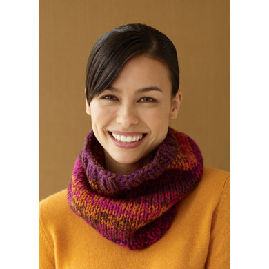 Simple Cowl in Lion Brand Vanna's Choice - L10243