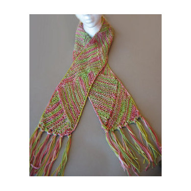 Knitting Pattern For Multi Directional Scarf : Multi-Directional Triangle Scarf in Artyarns Supermerino - P68 Knitting Pat...