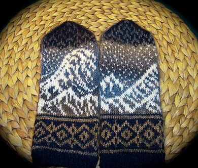 The Great Wave Mittens