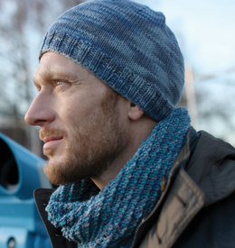 Man's Cap and Infinity Scarf in Schachenmayr Merino Extrafine Color 120 - S08925 - Downloadable PDF