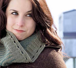 Reversible Icicle Cowl in Knit One Crochet Too Sebago - 2144 - Downloadable PDF