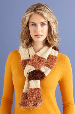 Glamorous Furry Scarf in Lion Brand Vanna's Glamour and Fun Fur - L0696C