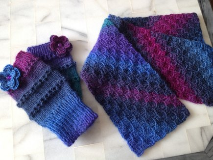 C2c Scarf And Fingerless Gloves Knitting And Crochet Project By