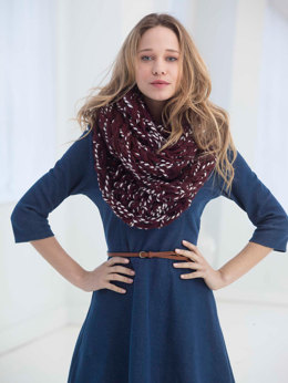 2 Color Arm Knit Cowl in Lion Brand Wool-Ease Thick & Quick - L40017