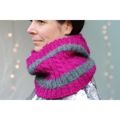 Crisp and Even Cowl