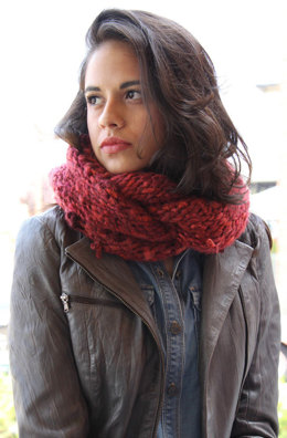 Carmela Cowl in Filatura Di Crosa Cometa - Downloadable PDF