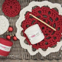 X-mas Doily and Coasters in Hoooked Zpagetti
