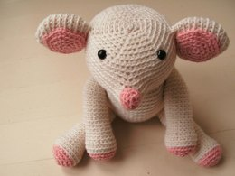 Amigurumi Fiona the Mouse