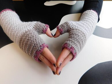 Atelier fingerless gloves