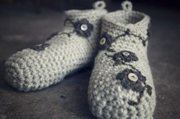 Snuggly Slippers Pattern and Tutorial