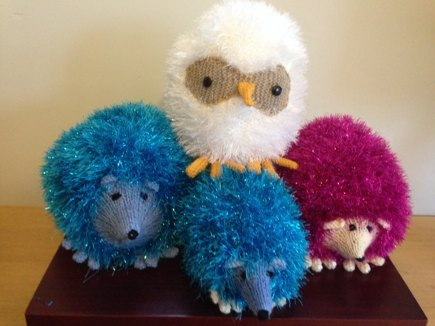 Tinsel Hedgehog Knitting Pattern Free : Tinsel Hedgehog and Owls knitting project by Susan H ...